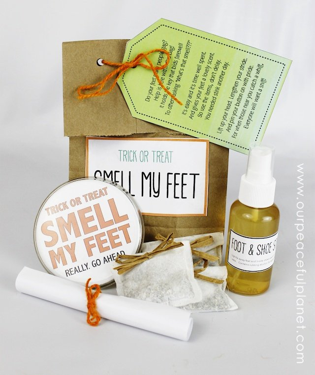 DIY Trick or Treat Smell My Feet Gift Set ·