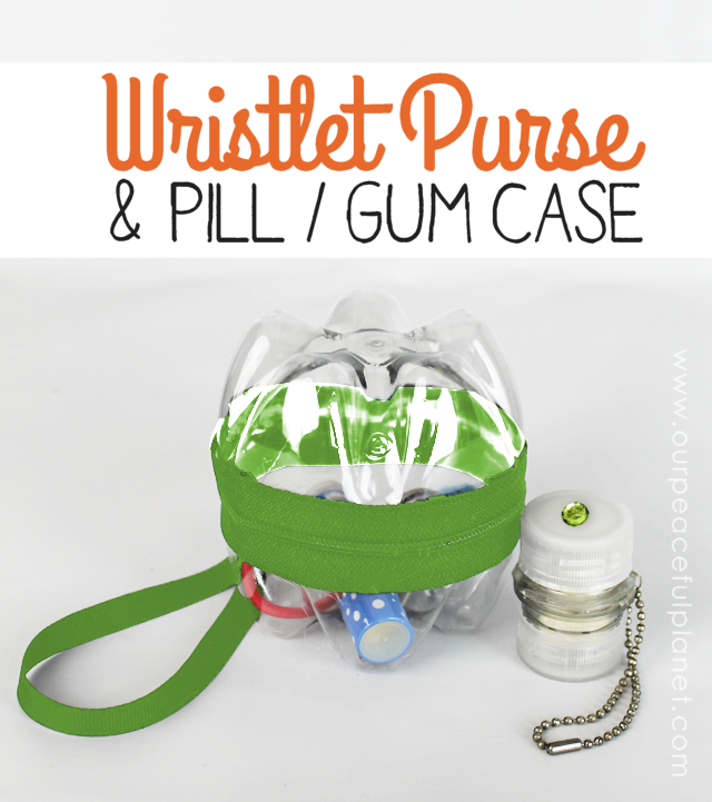 Make a fashion statement with this tiny soda bottle purse... a wristlet and matching pill or gum case. It's the cutest upcycle every!