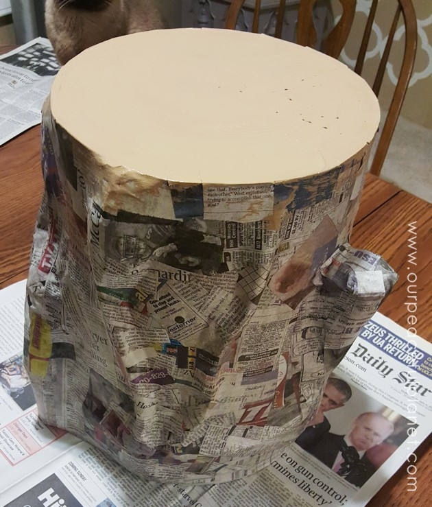 Diy tree trunk stool diy do it your self for Paper mache furniture ideas