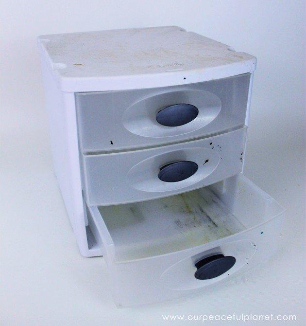 Plastic Drawers Makeover for Desk Organizing