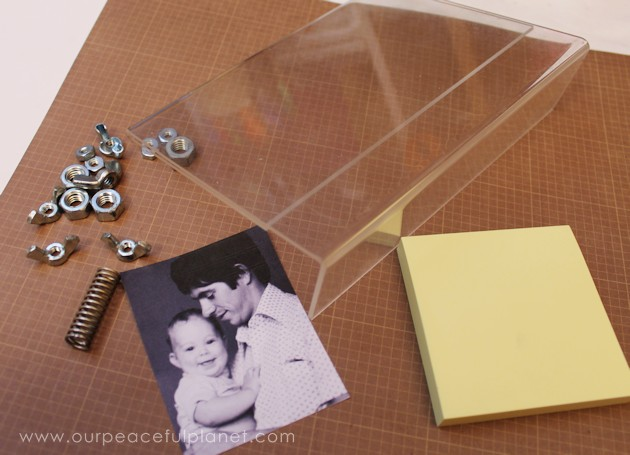 Looking for unique yet simple and inexpensive DIY Father's Day gift ideas? Check out our personalized notepad photo frame tutorial and other great ideas!