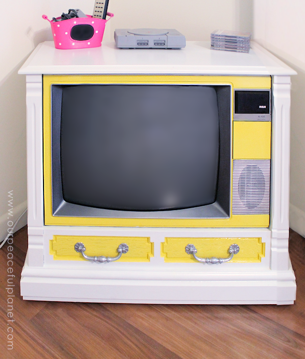 We'll show you how we took an old working console TV and turned it into a piece of art with nothing more than some paint! It made a perfect gaming TV!