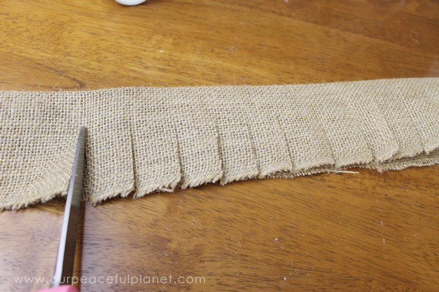 How to Make a Small Burlap Christmas