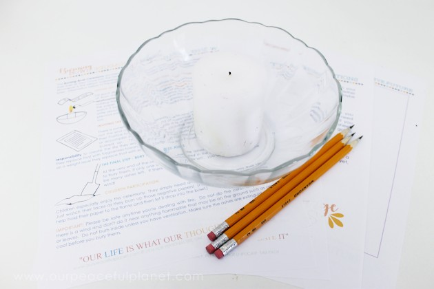 Let go of all the stuff that's holding you back & start the New Year fresh with a fun burning bowl ceremony! Download our printable kit & instructions.