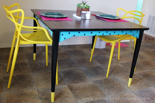 Don't throw away that old furniture! All you need is a little paint and you've got a Modern Geometric Painted Dining Table! Amazing transformation isn't it?