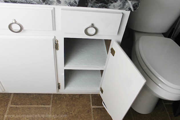 Quick cardboard pull out cabinet organizer learn how to make an inexpensive pull out cabinet organizer using a cardboard box so you solutioingenieria Gallery