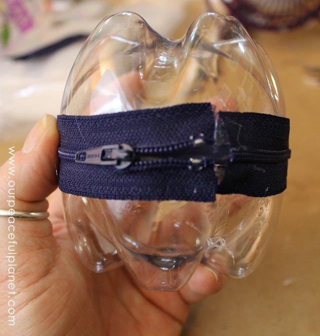 zipper.pouch.pill.holder.5