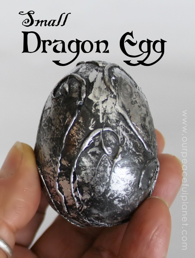 Everyone loves dragons! You can make this beautiful small dragon egg with a plastic egg, a glue gun and some paint.  It simple!