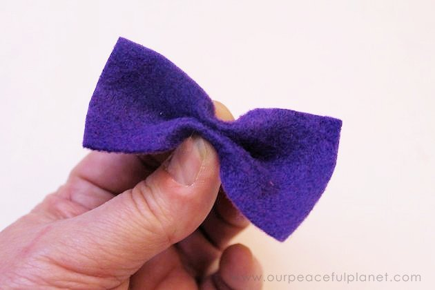 We'll show you how to make a 5 minute dapper puppy dog bow tie with a little felt, elastic and hot glue! Your little furry friend will be styling in no time