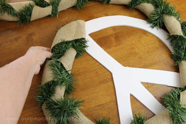 christmas-peace-wreath-15