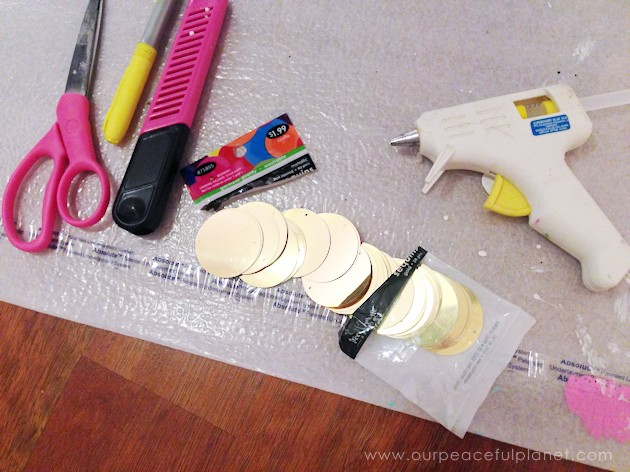 With a foam sheet, 40mm round gold sequins and hot glue you can make this awesome huge lightning bolt cheap wall decor statement piece. Shockingly gorgeous!