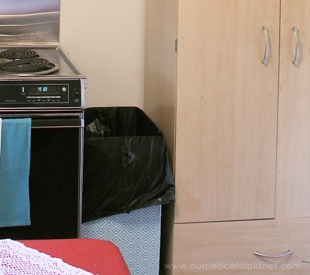 Can't find a large enough kitchen trash can to fit a space? You can make one on wheels to fit any spot! All you need are a few simple supplies and tools.