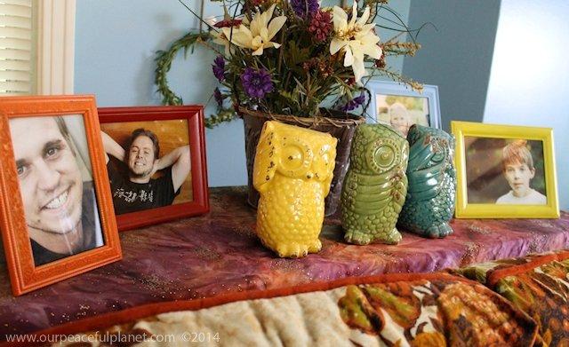 whimsical living room - knick knacks 21